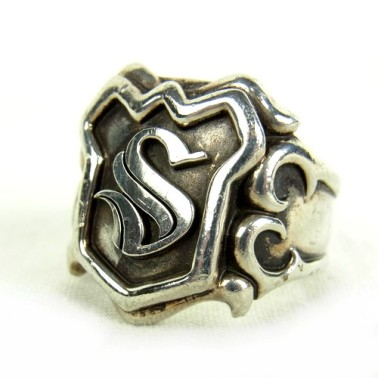 黒ずみ・コキズがある指輪の画像