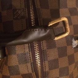 ハンドルが取れたバッグの画像