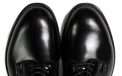 プレーントゥの靴