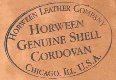 ホーウィン社のロゴが入ったコードバン生地