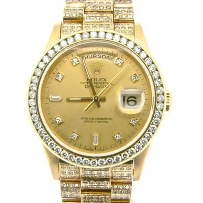 全体的にダイヤモンドが施された腕時計
