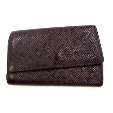 型崩れした財布の写真